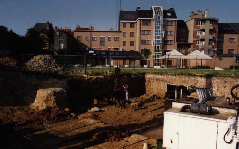 Stiffness measurement of pile foundation